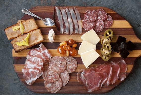 Découvrir la Cuisine lyonnaise, charcuterie et le fromage