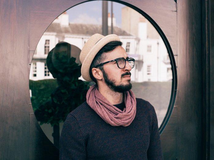 5 manières de porter le foulard pour hommes avec classe