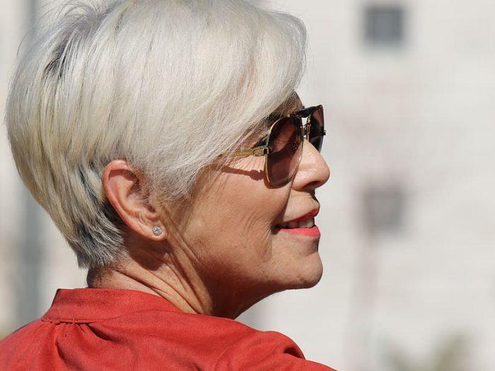 Coupe de cheveux court femme 60 ans
